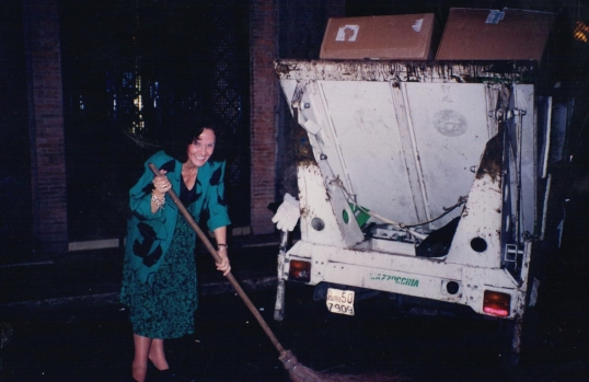 Needed some fresh air in  Rome so went out to help the trash collectors at 2 am.