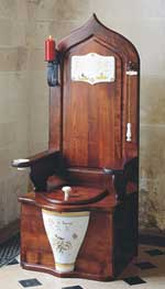 wooden-throne-toilet